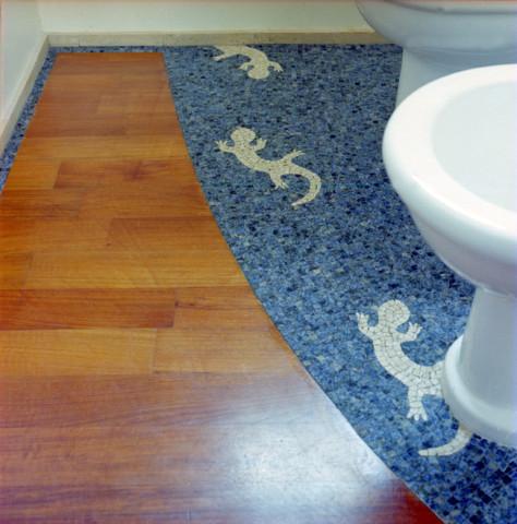 pavimento in mosaico progettato e realizzato per un bagno | afmosaici.com