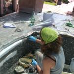 lavorazione con tecnica diretta per il rivestimento della vasca con mosaico | afmosaici.com